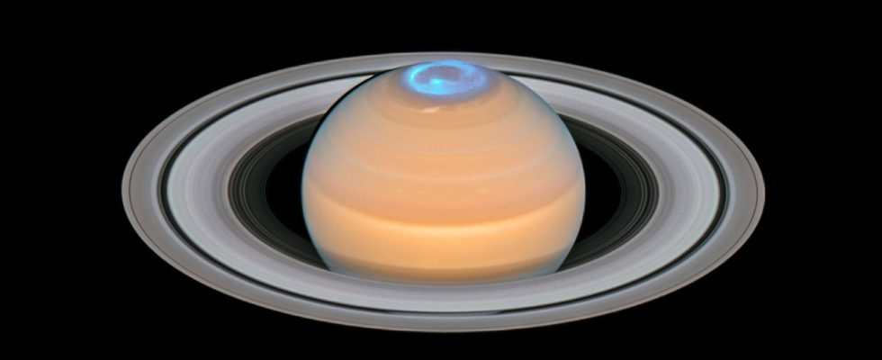 Полярное сияние на Сатурнt