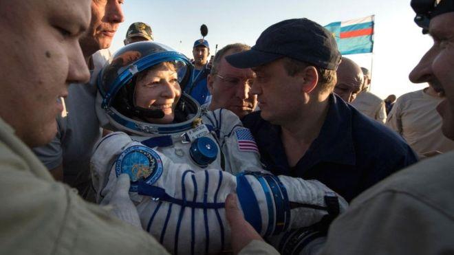 Астронавты с МКС