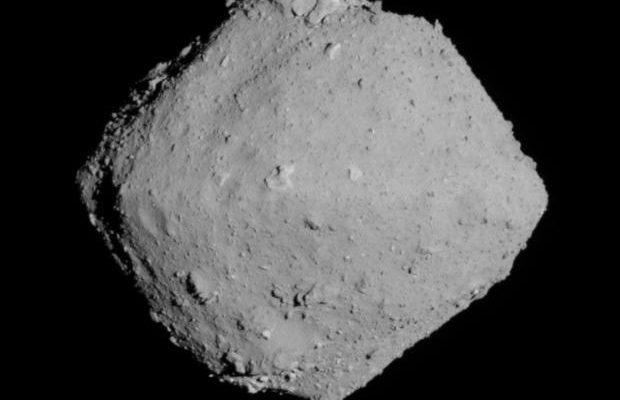 фотография астероида Рюгу