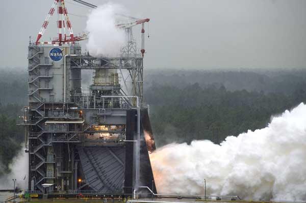 испытаний ракетного двигателя RS-25