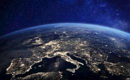 Планета Земля ночью