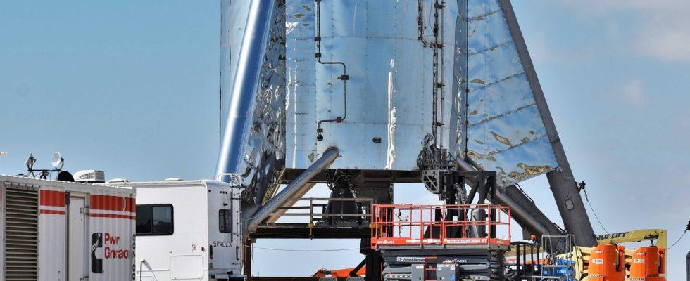 Процесс сборки прототипа ракеты Starship