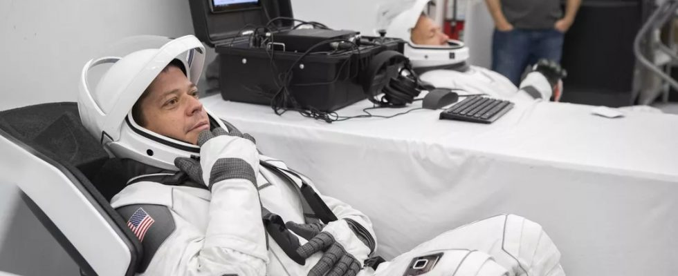 Астронавт NASA Боб Бенкен